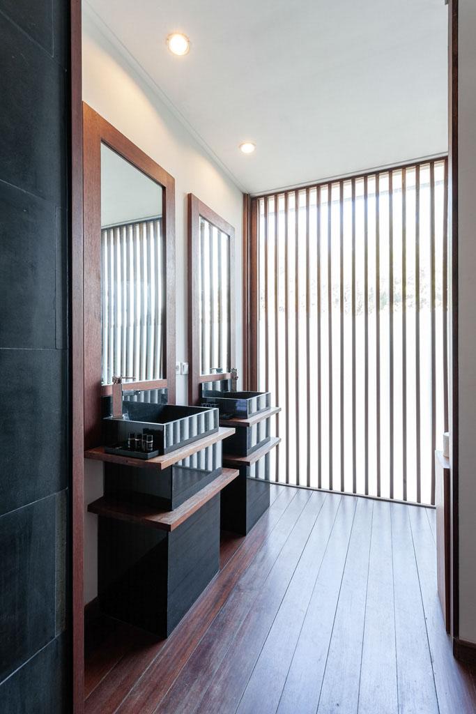 Villa_1_bathroom_1